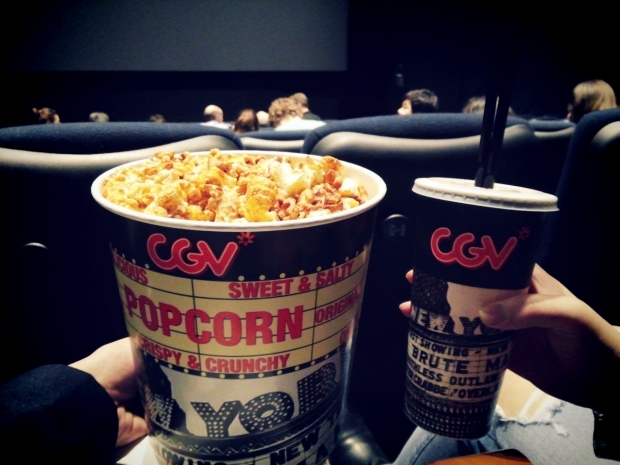 Popcorn is a must for me when I come to cinemas ㅋㅋ Large popcorn + 2 drinks + nachos is only W10,500!! Much cheaper than Singapore I think.